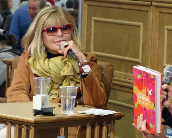 Katherine Pancol haastattelussa Turun Kirjamessuilla 2014 tuoreen Mimmit-kirjansa tiimoilta
