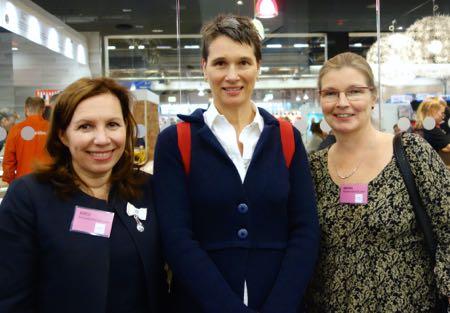 Kirsi, Cristina De Stefano ja Minna Helsingin Kirjamessuilla 2014