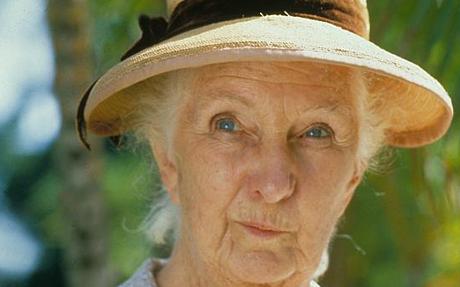 Neiti Marple esittää höpsömpää kuin onkaan.