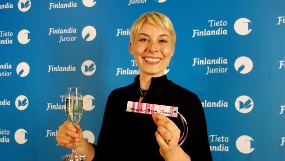 Laura Lindstedt sai Kirsin Book Clubin kirjanmerkin