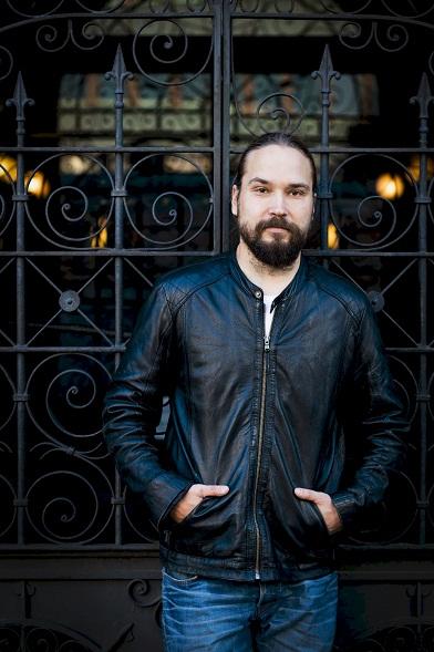 Jukka Viikilän kuva Marek Sabogal.