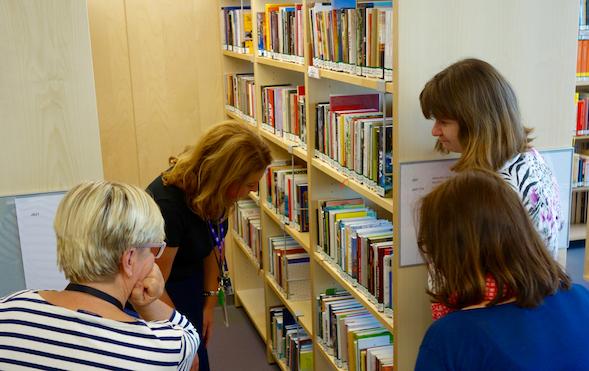 Kysyimme henkilökunnalta latvialaisten kirjojen lukuvinkkejä.