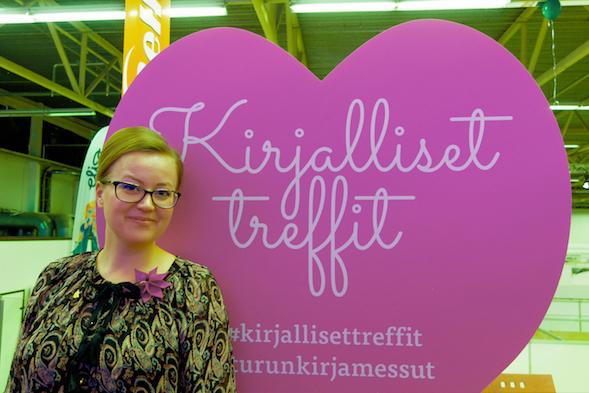 Kirjallisten treffien emäntänä toimi konseptin Suomeen tuonut Anna-Riikka Carlson.