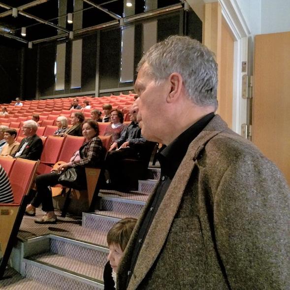 Tasavallan presidentti Sauli Niinistö kävi kurkkaamassa, mitä ohjelmaa Jenni oli järjestänyt.