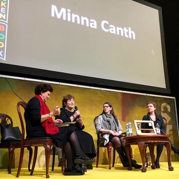 Canthista keskusteltiin Helsingin Kirjamessuilla. Vasemmalta Leena Majander, Kaisa Korhonen, Minna Maijala ja Sirpa Kähkönen, jonka bongasimme myös ensi-iltakatsomossa.