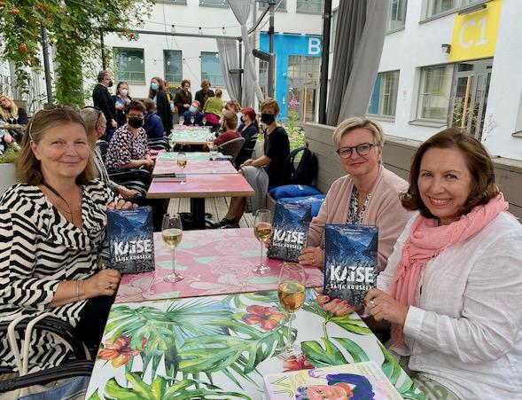Saija Kuuselan esikoisdekkari aloittaa Pohjois-Norjan maisemiin sijoittuvan sarjan, jonka päähenkilö on ylikomisario Nea Guttorm.